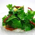 ②乾燥トマトオイル漬け/トマト,オリーブ,イカのパセリサラダ