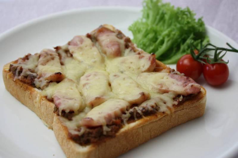 ⑤ポモペースト/ピザトースト