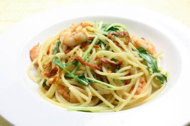 乾燥トマトとエビ、水菜のスパゲッティ